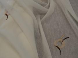 Tecido cortinas alinhado branco com bordado